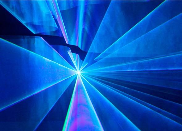 4.6-Edwin_van_der_Heide_laser_show